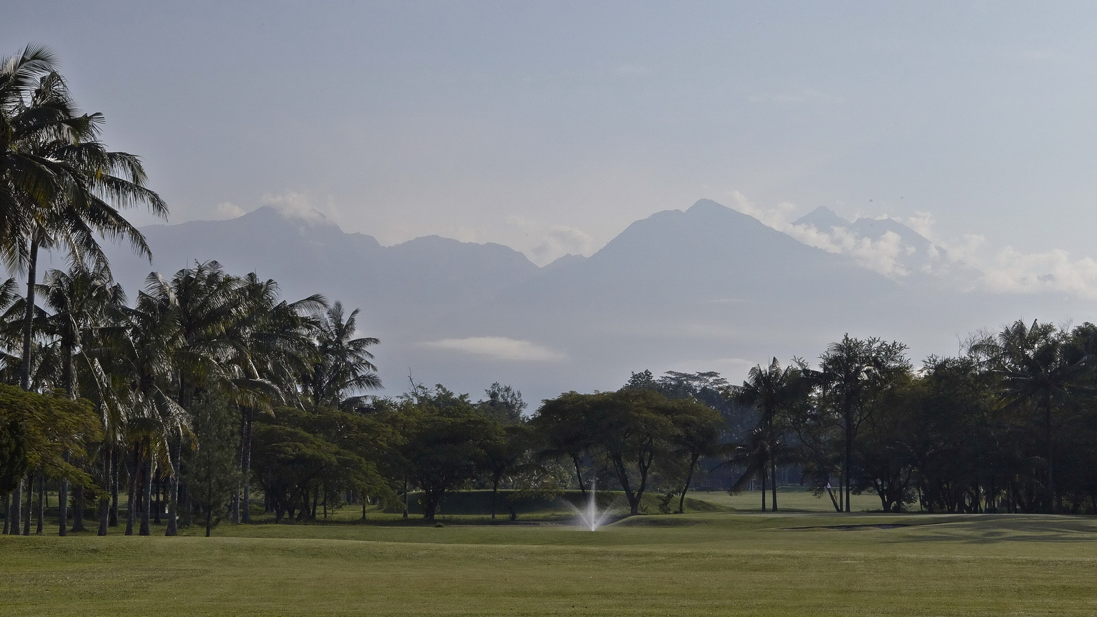 lombok-golf-course-resort-hotel_pic02