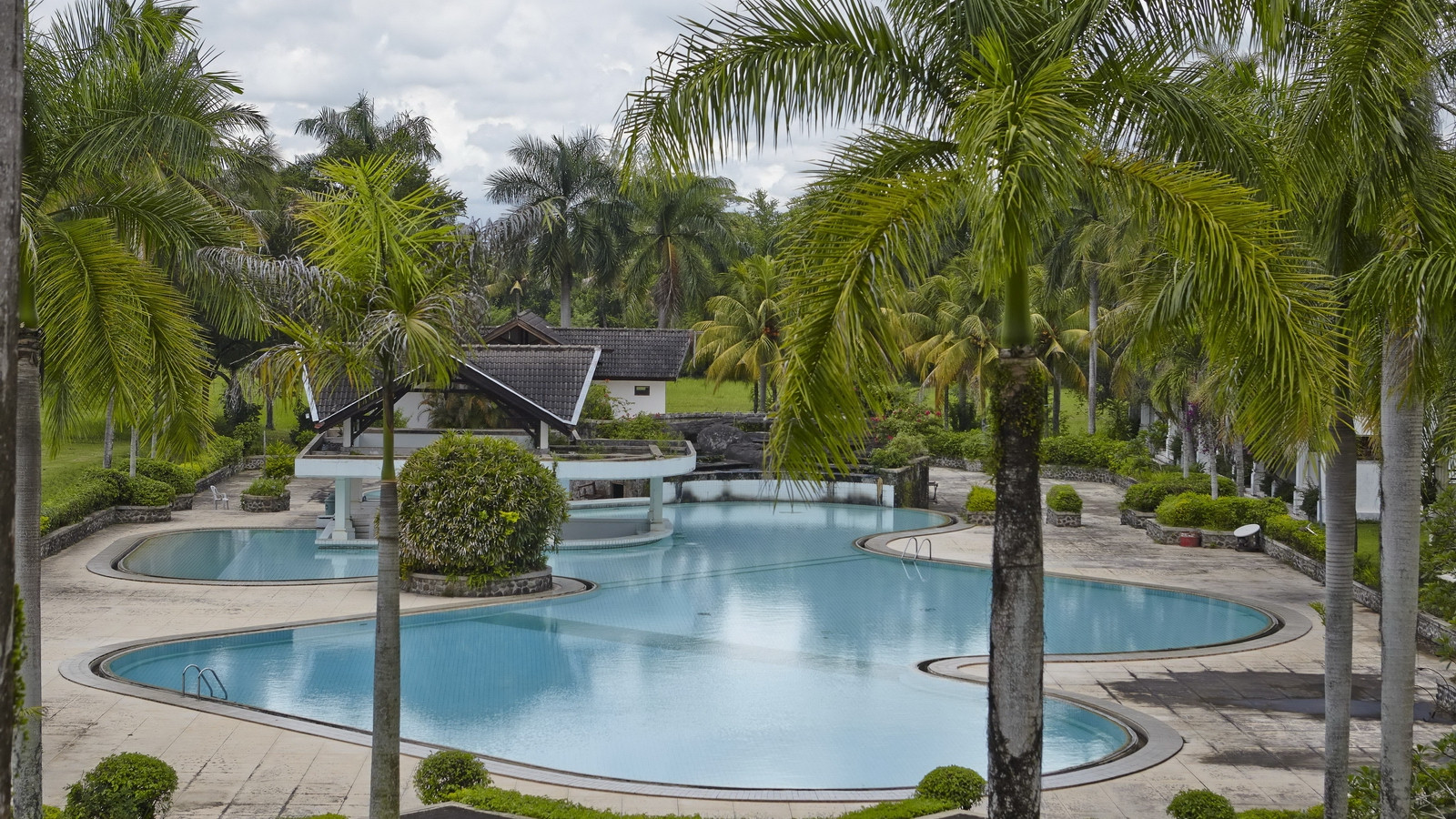 lombok-resort-swimming-pool_pic01